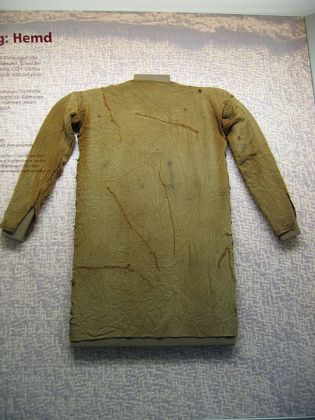 4th-century CE Germanic tunic found on Thorsberg moor