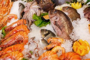 fresh-seafood-on-ice